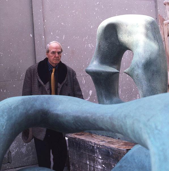 File:Henry Moore in workshop Allan Warren.jpg