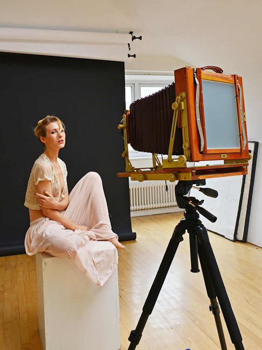 Six Tips For Photographing Models In The Studio - Japan Camera Hunter
