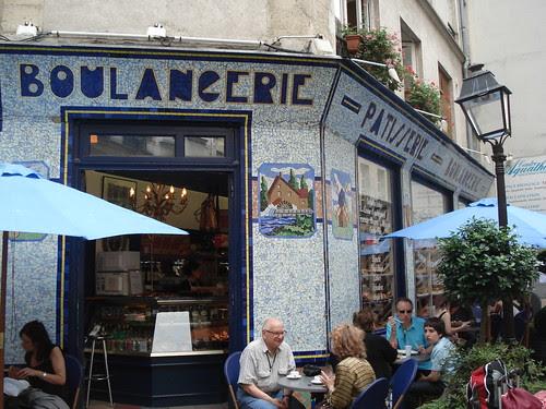 Rue des Rosiers by Yekkes