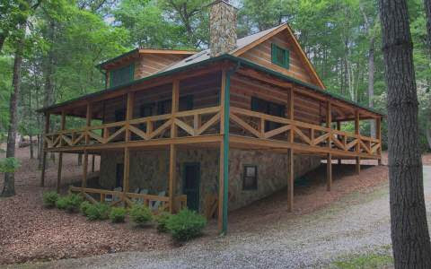 Live in the Heart of the Aska Adventure Area!--$275,000