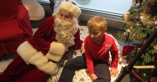 Man With Autism Offers Sensory Friendly Santa Visits So No Kid Misses Out | HuffPost