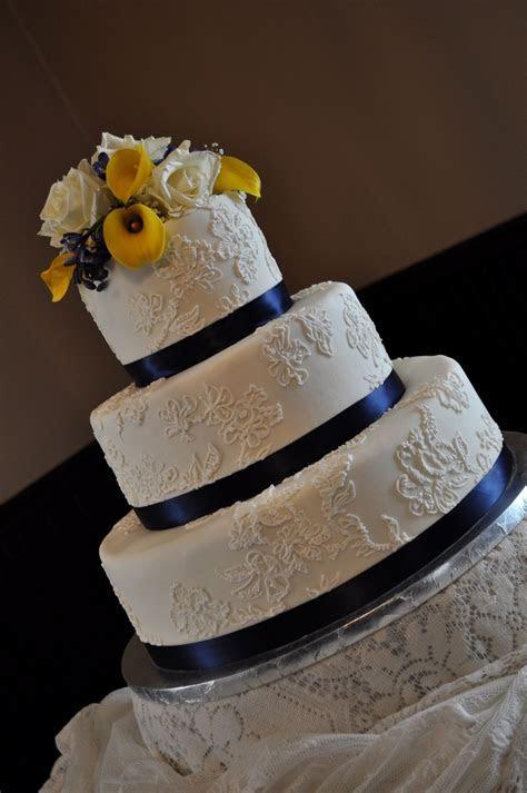 Navy blue wedding cake   idea in 2017   Bella wedding