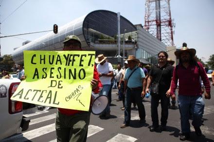 Maestros de la CNTE marchan a la Segob. Foto: Octavio Gómez