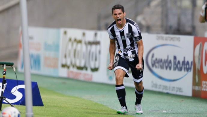 Resultado de imagem para Com dois gols de Magno Alves, Ceará vence Uniclinic no jogo de ida