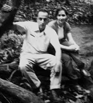 Atahualpa e a esposa, Nelly, minutos após pousarem na Fazenda  do Gama