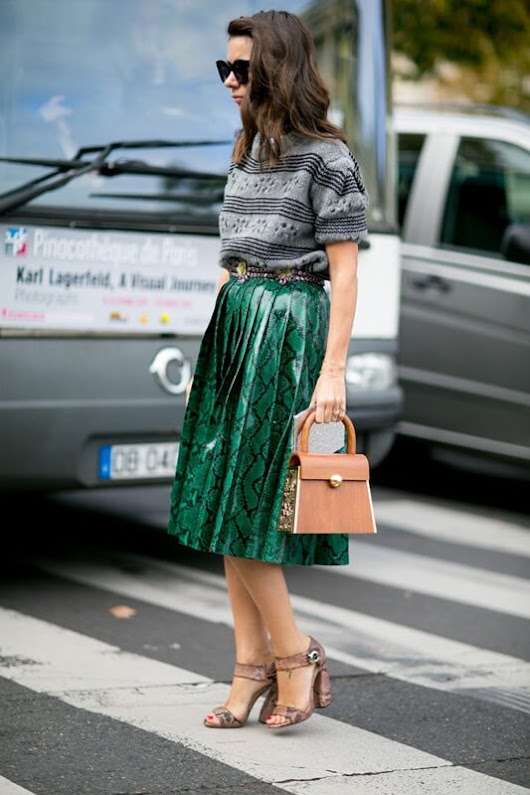 How to wear: pleated midi skirt