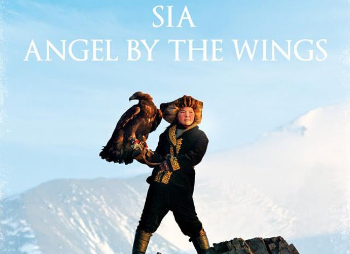 Listen to new Sia's ballad 'Angel by the Wings'