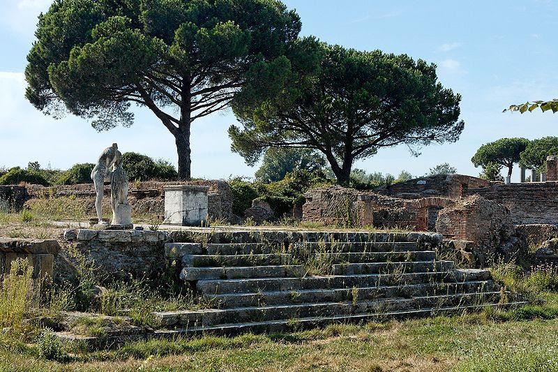 File:Tempio di Ercole Ostia Antica 2006-09-08.jpg