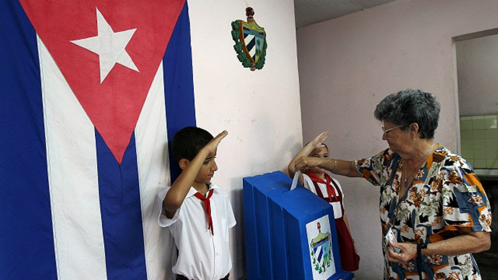 http://ichef.bbci.co.uk/news/ws/1024/amz/worldservice/live/assets/images/2015/04/23/150423161335_cuba_blog_640x360_epa_nocredit.jpg