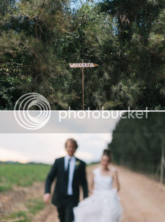 http://i892.photobucket.com/albums/ac125/lovemademedoit/welovepictures%20blog/BushWedding_Malelane_052.jpg?t=1355997424