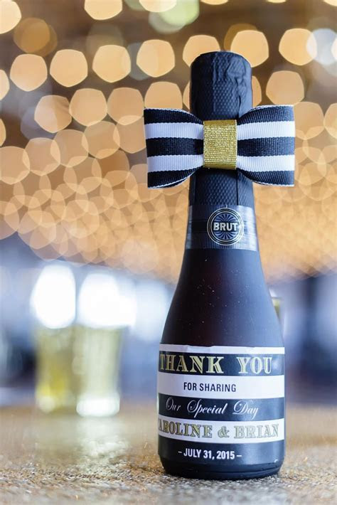 1000  ideas about Champagne Wedding Favors on Pinterest