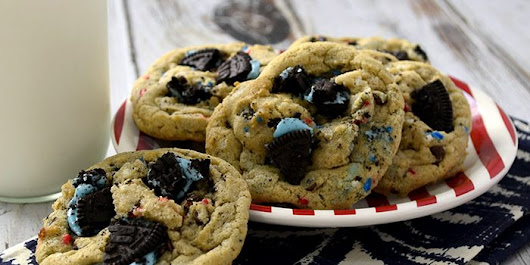 Red, White & Blue Cookies and Cream Cookies - Design Dazzle