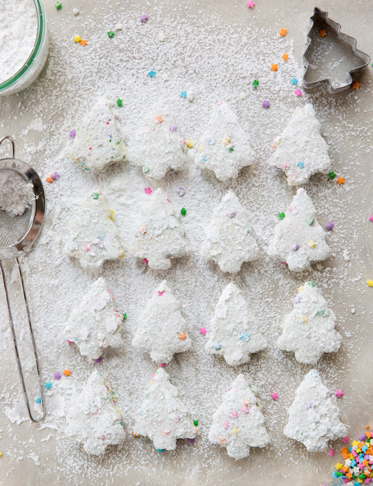 Homemade Funfetti Holiday Marshmallows - Camille Styles