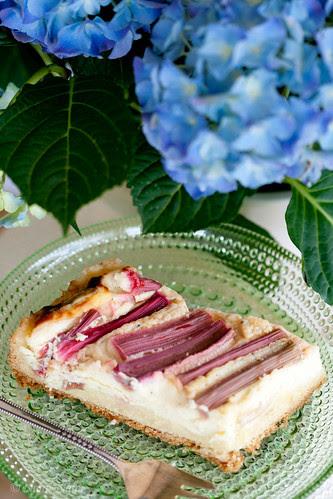 Rhubarb cheesecake / Rabarberi-toorjuustukook