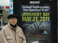 Homem gasta 140 mil dólares para divulgar o fim do mundo neste sábado