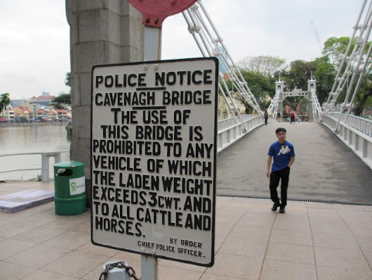 Things to do in Singapore: Cavenagh Bridge | Man vs World