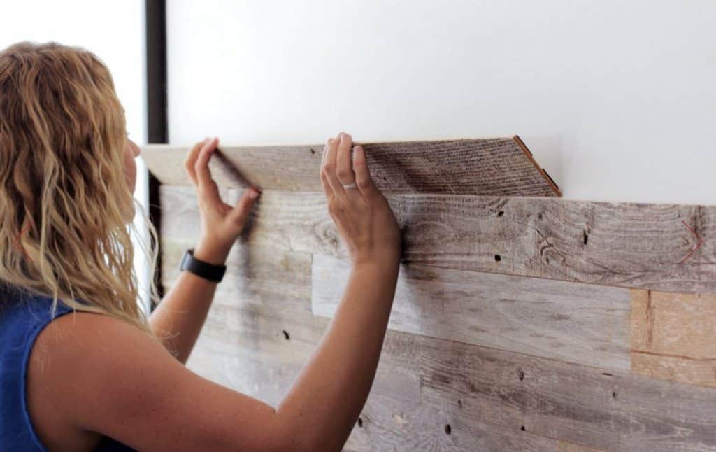 Can You Use Vinyl Flooring on Bathroom Walls? [ANSWERED W ...