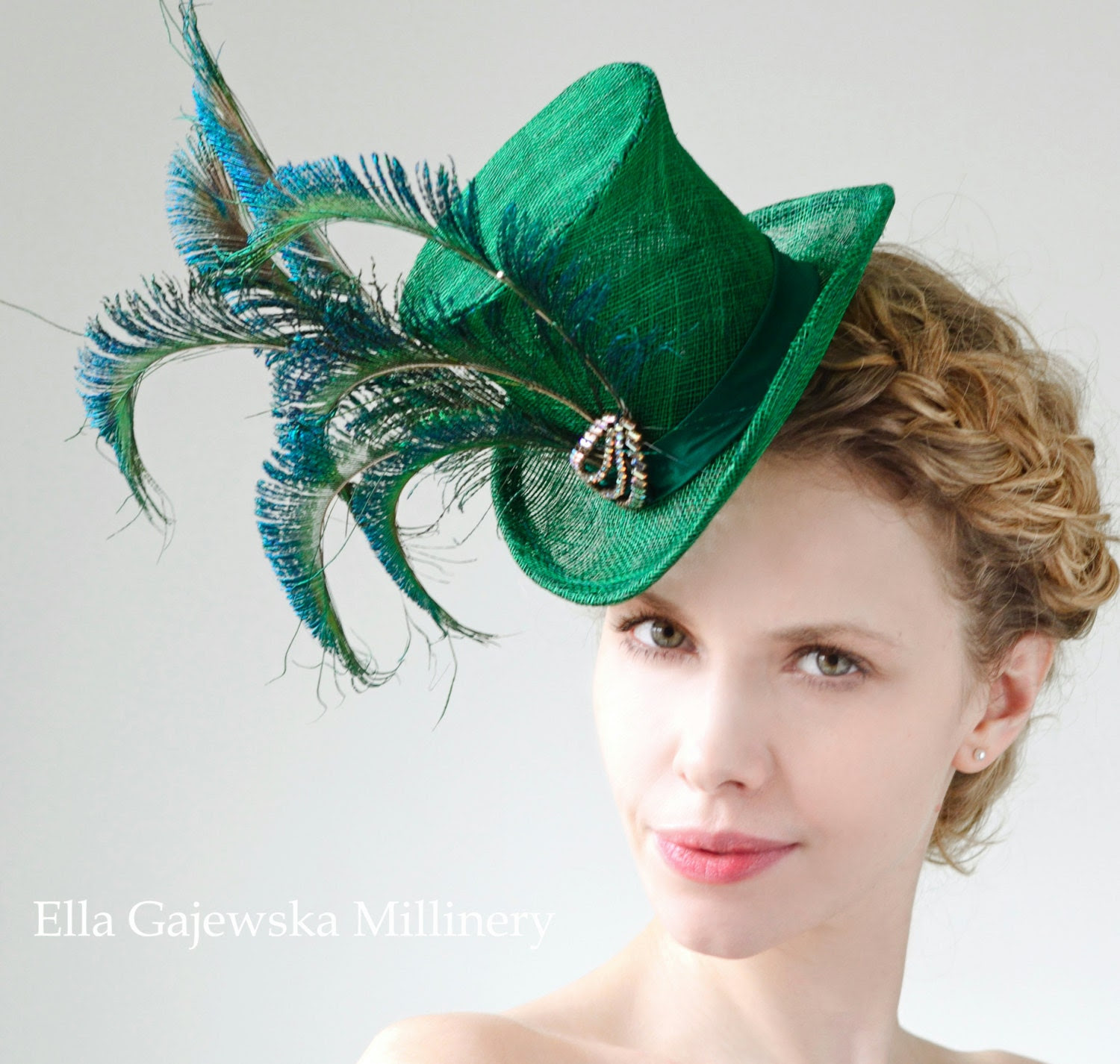 Emerald-Green-Mini-Straw-Elegant-Top-Hat-Peacock-Feathers-Accessories-Wedding-Accessory-Wear-Party-Fascinator-Derby-Hats-Ascot-Steampunk