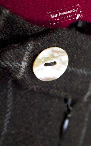 blog, szafiarka, moda, retro, vintage, fashion, szycie, krawiectwo, half circle skirt, spódnica z połówki koła, wełna, krata, Piegatex, wykrój, guzik, masa perłowa
