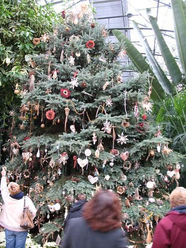 Krohn Conservatory holiday display Cincinnati, Ohio