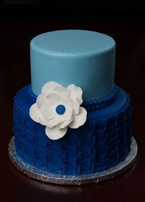 Small Wedding Cake   CakeCentral.com