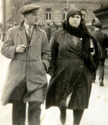 Helen Macfarlane con su esposo Henry Duncan