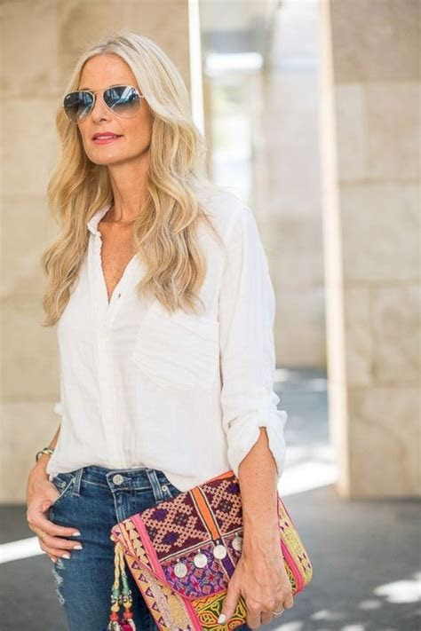 Trendy spring and summer outfits ideas for 40 year old