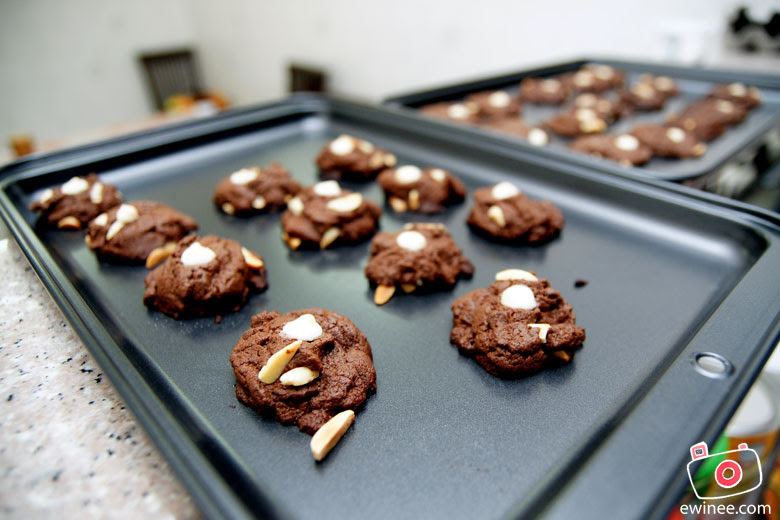 Chocolate-cookies-with-Almond