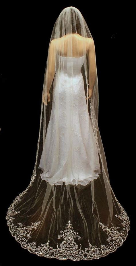 Best 25  Cathedral wedding veils ideas on Pinterest   Lace