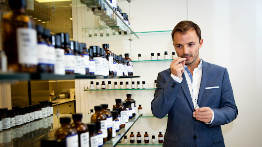 Mass-Market Perfumes Developed by High-Priced Noses - NYTimes.com