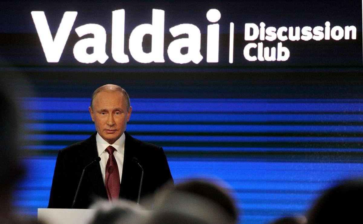 Владимир Путин – лидер Русского Мира, а не паразитической Системы