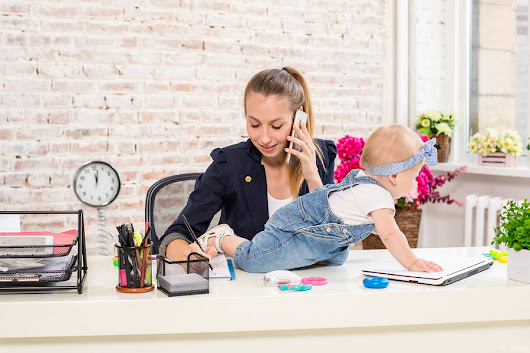 Organize Your Life As A Working Mom And Stay Ahead of the Chaos