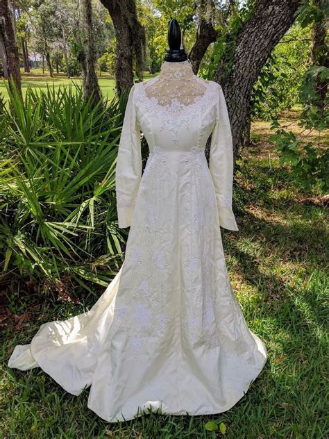 HOUSE OF BIANCHI early 80s   1980s Vintage Bridal