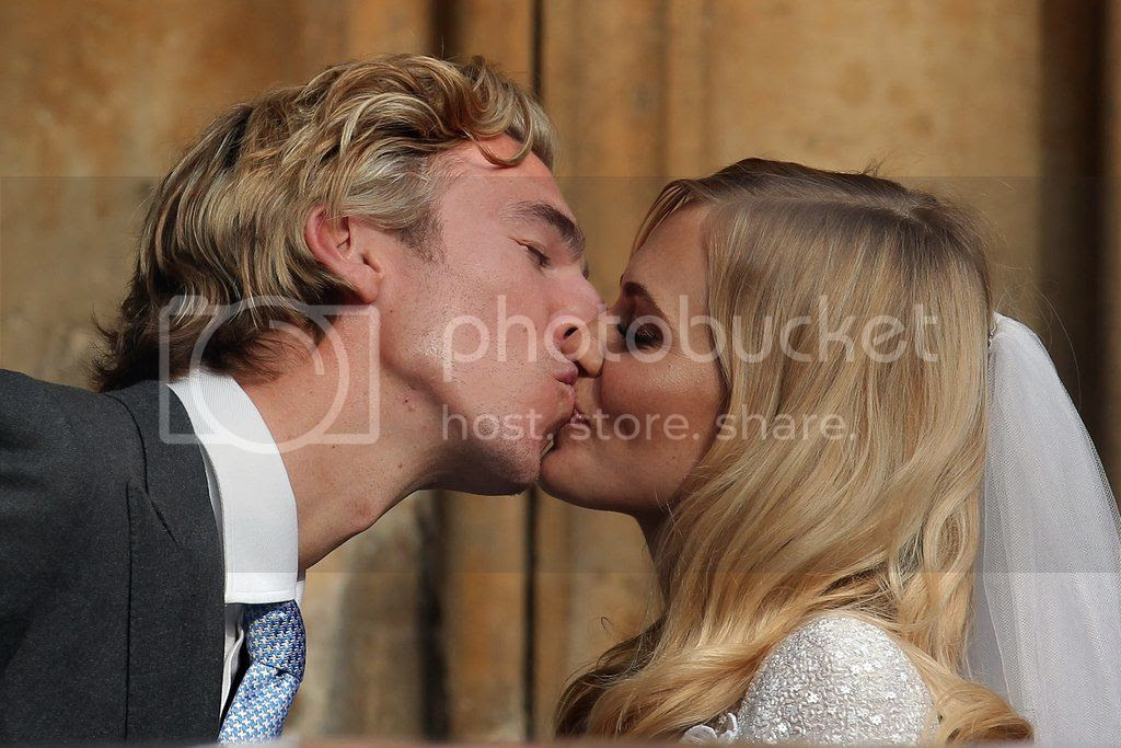 photo Poppy-Delevingne-James-Cook-Wedding-Pictures12_zps1ac51035.jpg