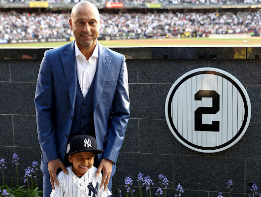 10 memorable photos from Jeter's jersey retirement