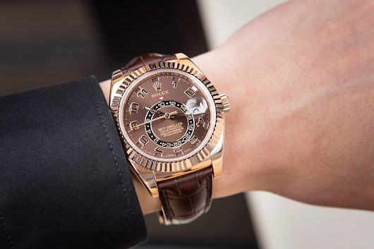 Bob's Spotlight: The Everose Rolex Sky-Dweller Ref. 326135