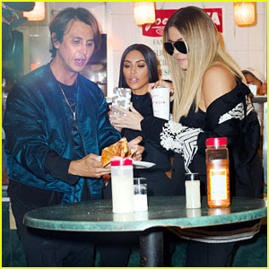 Kim & Khloe Kardashian Grab Pizza to Go in New York City!