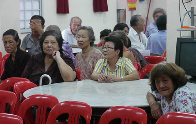 """A new report from IPS revealed that Singapore will become """"extremely aged"""" by 2050 if the fertility rate does not increase. (Yahoo! file photo)"""