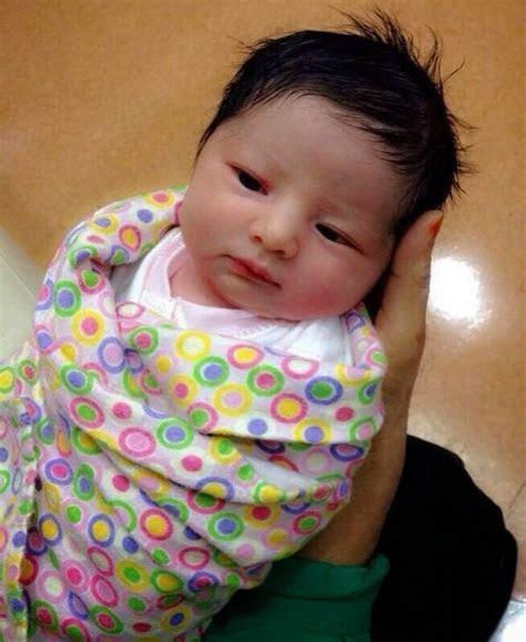 kumpulan foto foto bayi lucu imut cantik ganteng