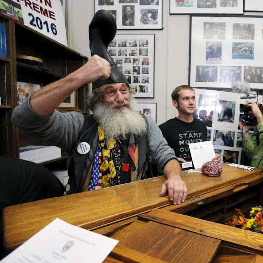 Presidential hopeful Vermin Supreme promises free ponies
