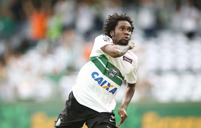 Negueba Coritiba Londrina (Foto: Giuliano Gomes/PRPRESS)