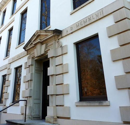 P1000622-2010-02-07-Shutze-Emory-Rich-Memorial-West-Facade-Door-Oblique