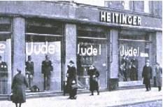 """Comercio con el rótulo """"Judío """" en su escaparate."""