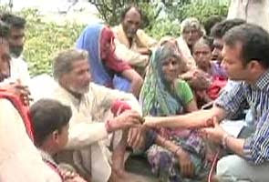 Uttarakhand: pilgrims trekking to safety being looted en route