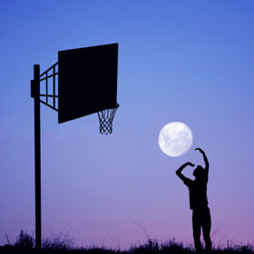 Moon Player by Adrian Limani on 500px.com
