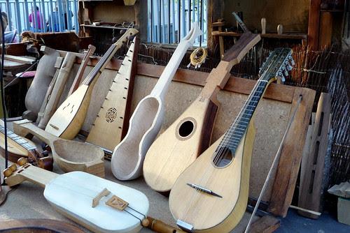 instrumentos musicales tradicionales o populares o de andar por ferias