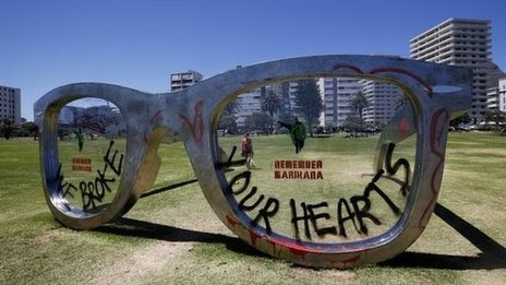 Mandela glasses sculpture defaced
