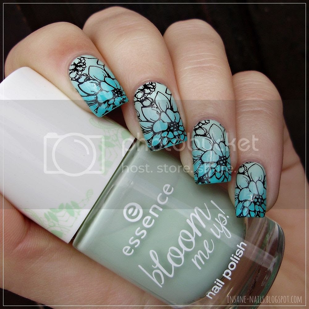photo matching_manicures_flower_5_zps8bflhu9a.jpg