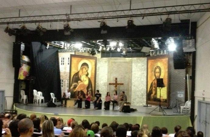 Antes: Auditório São Paulo na Canção Nova - em sua versão Católica.