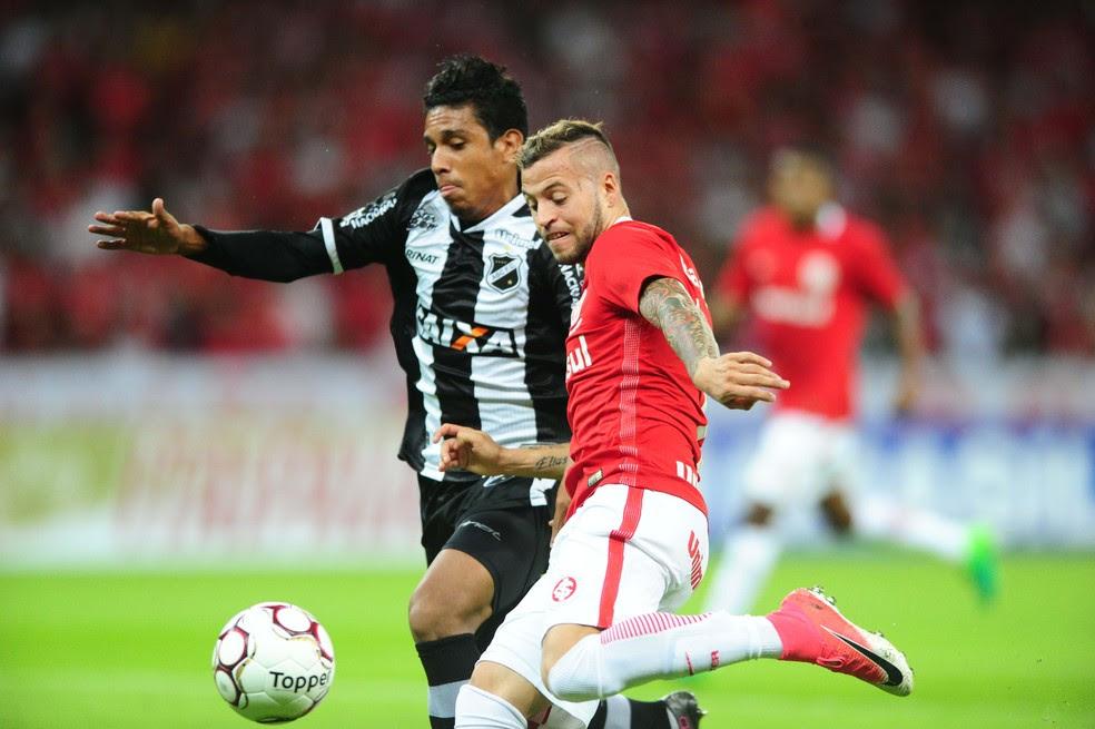 Nico López perdeu muitas chances na noite deste sábado (Foto: Ricardo Duarte / Internacional / Divulgação)